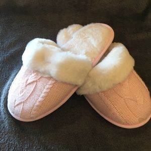 """Victoria""""s Secret slippers. Brand new size large"""